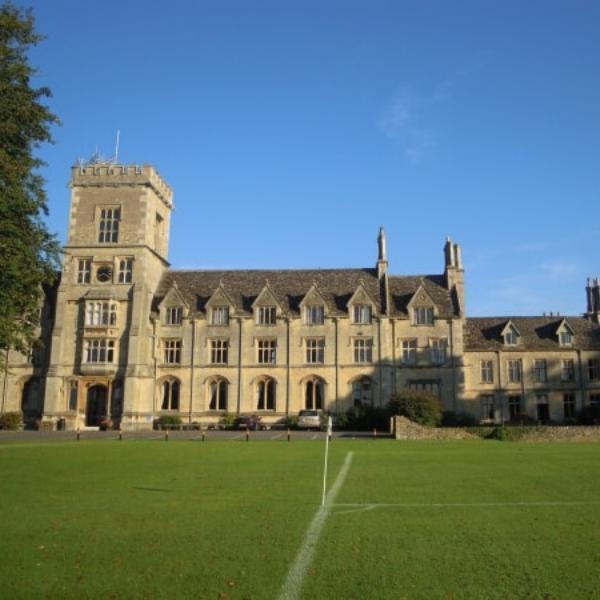 vacanze studio inghilterra inglese college viaggi di gruppo con accompagnatore Inghilterra cirencester