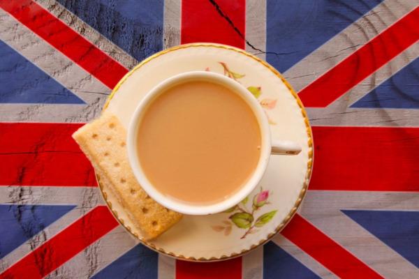 come nasce la tradizione del tè delle cinque